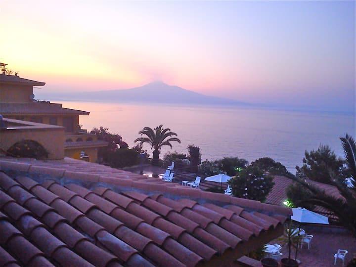 Spiaggetta home, breathtaking view!