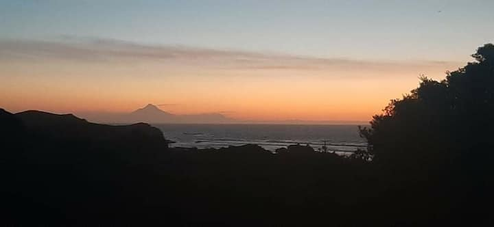 Classic Kiwi Bach Mokau with Seaviews