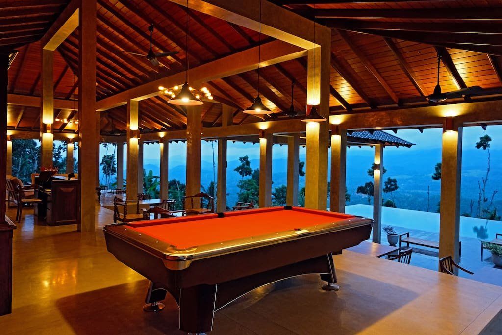 Central Bungalow Pool Table