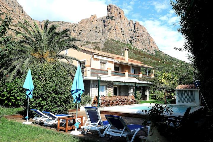 Villa avec superbe jardin pour groupes et familles - Afa