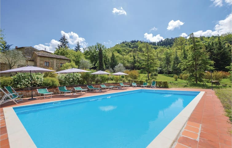Holiday apartment with 1 bedroom on 35 m² in Radda in Chianti