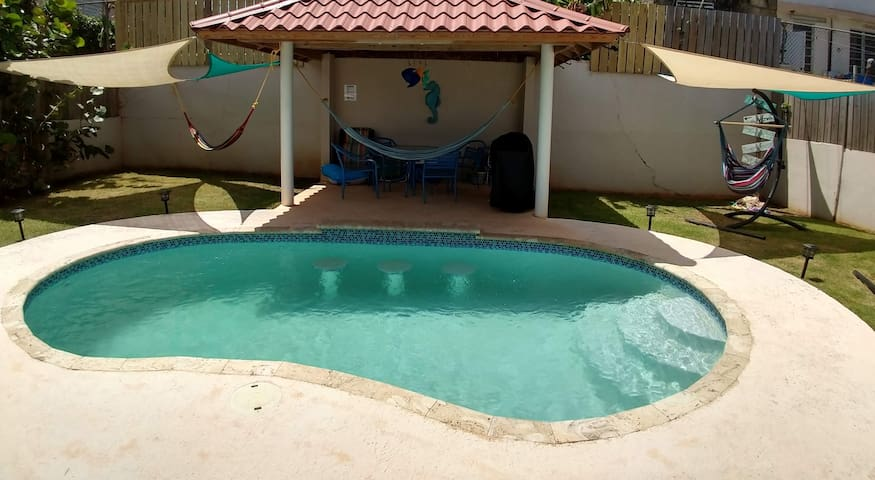 Casa de Crashboat - Private Pool, Swim up Bar