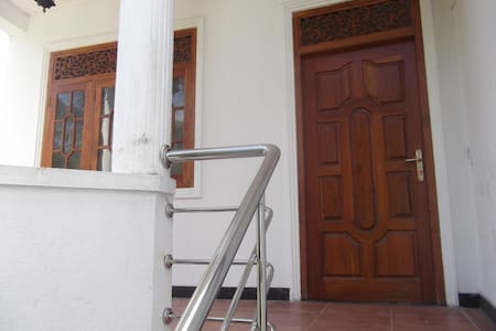 Upstair House in Mount Lavinia - Colombo