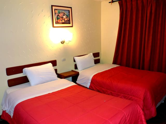 MachuPicchu Pueblo - Hab doble ( 2 camas ) - Aguas Calientes - Bed & Breakfast