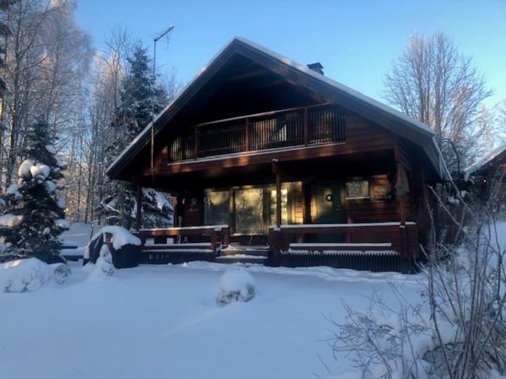 Viihtyisä hirsimökki Jänisjärvellä - Cosy Cottage