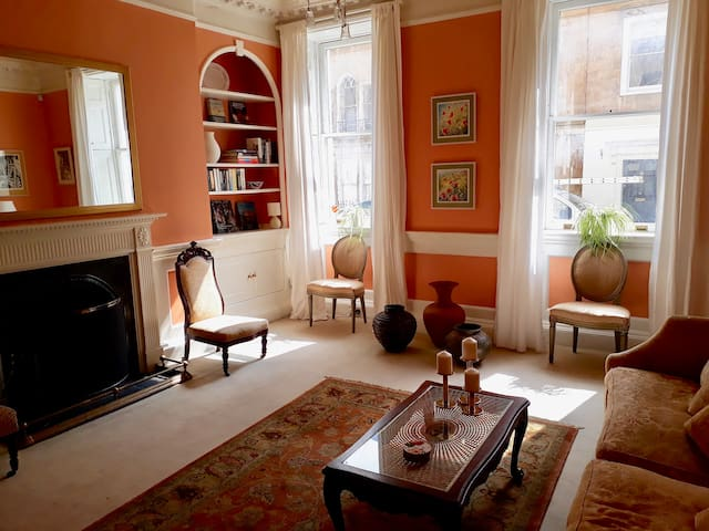 Heart of Bath period apartment