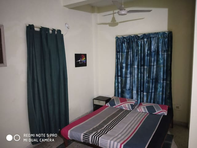 Private room in koregaon park 2