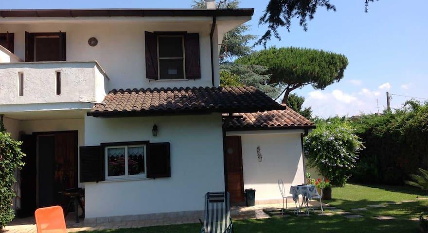 Villetta in Affitto Sabaudia Località Bella Farnia - Bella Farnia - Villa