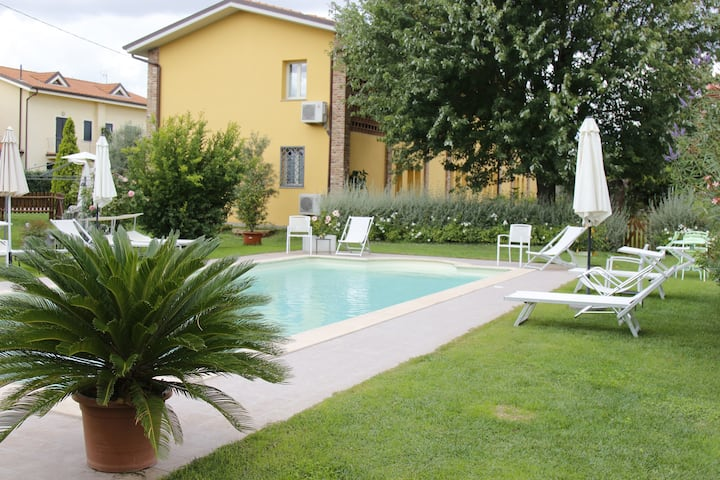 "Cozy apartment ""Celeste"",Villa Gabriella with pool"