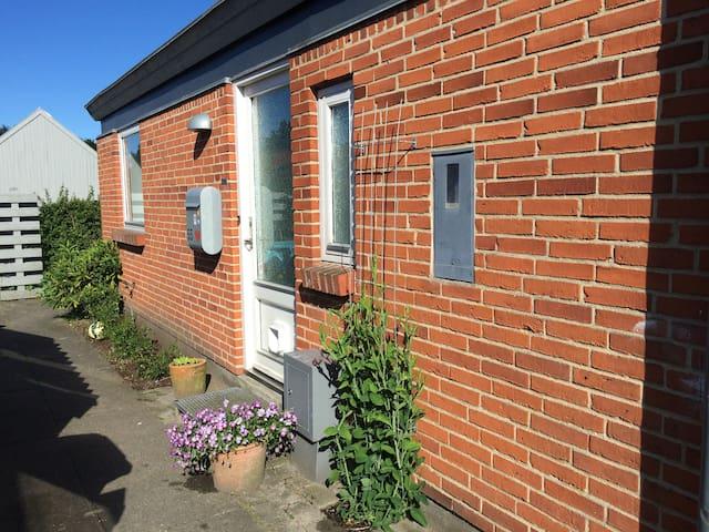 Familievenligt hus i roligt kvarter - Risskov - Casa