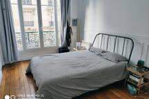 Au pied de la butte, appartement parisien cosy