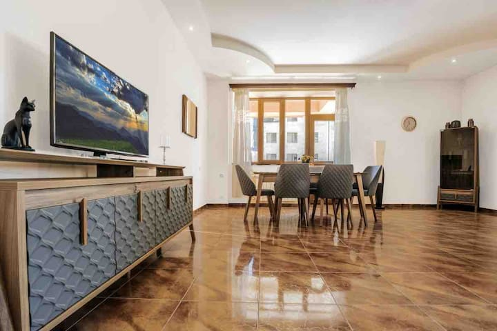 1 BDR.  apartment with balcony on Amiryan str.