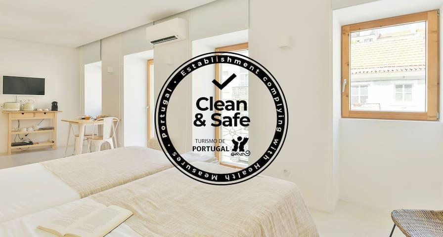 COZY LISBON  Author Apartments White Studio