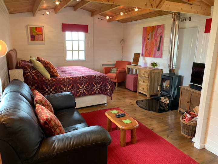 Cosy Cabin for Two People on Pembrokeshire Coast
