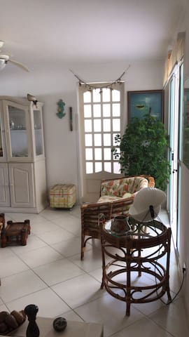 Tortuga Enseada, cozy apto, 200m from the beach