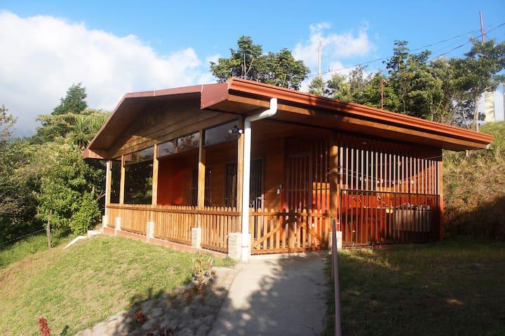 Cozy Cabin on an Organic Farm, cabin #2