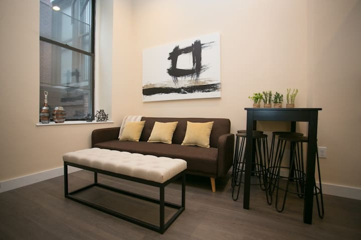 Sonder | Winthrop Square | Modern 1BR + Laundry