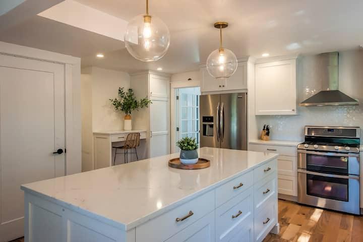 Family Friendly Modern Home, Close to Whitman