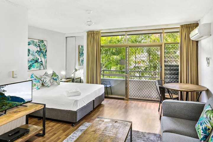 Spacious Studio in Cairns City