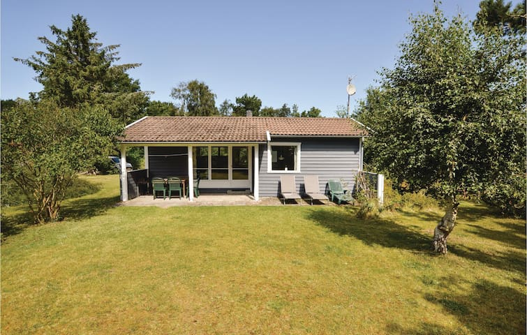 Holiday cottage with 2 bedrooms on 46m² in Sjællands Odde