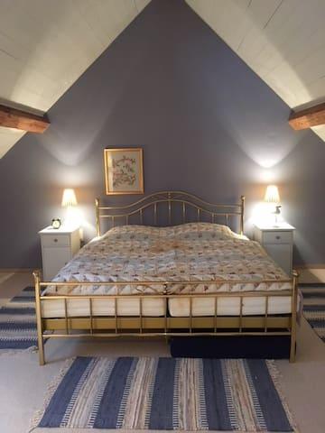 Blaues Schlafzimmer II