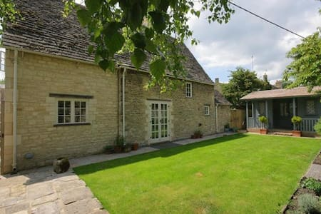 Church Cottage, Burford. - Burford