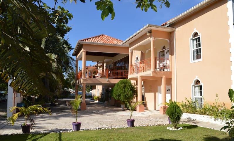 Casa de Shalom - House of Peace