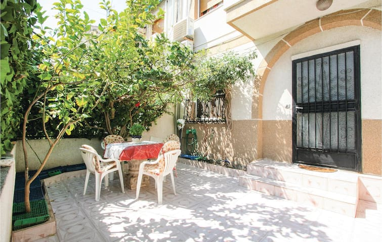 Terraced house with 2 bedrooms on 45m² in Santa Pola