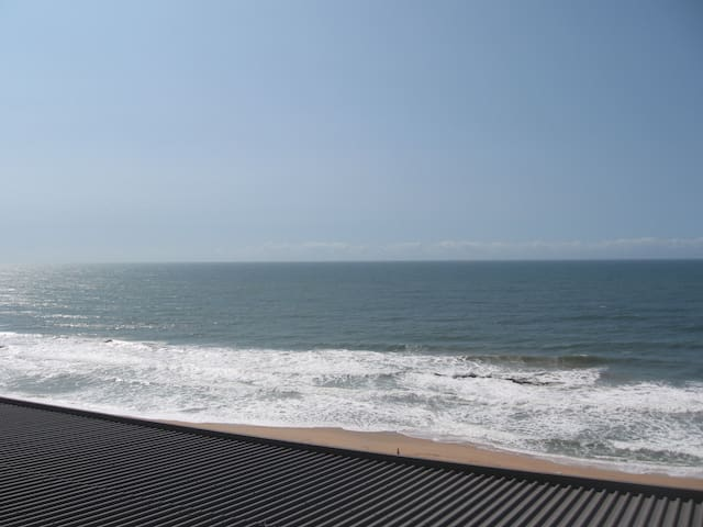 2 Bed 2 Bath Fresh Apartment on the beach - Durban