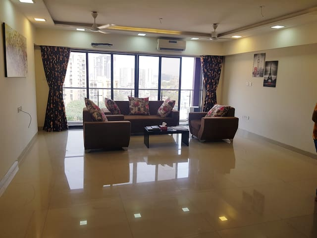 Lavish 3 bhk in BKC bandra Asian heart institute