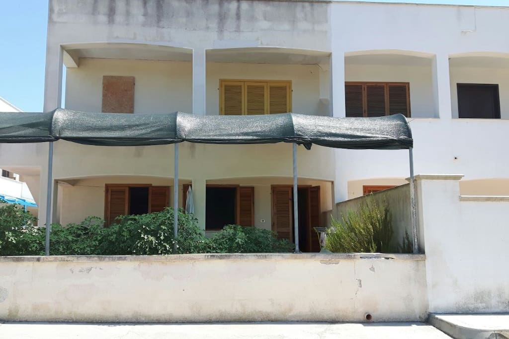 Esterno dell'appartamento al piano terra e quello al primo piano