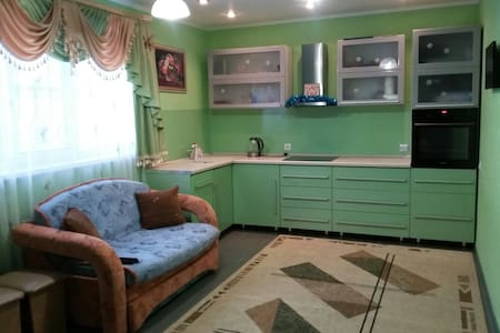 Уютный дом для семейного отдыха (Завьялиха) - Yuryuzan' - Rumah