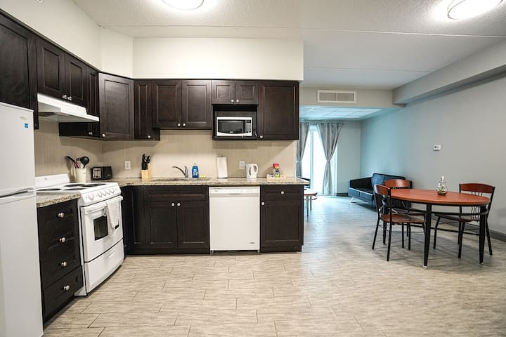 *Sunview suites* 3 bed 2 bath new condo