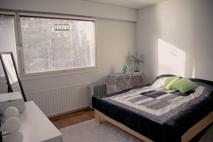 Peaceful and sunny double room - Espoo - Apartment