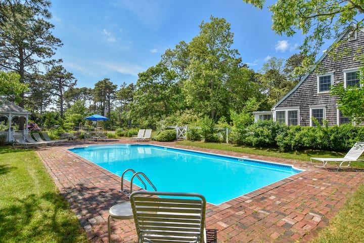 #317: Renovated w/ Private Pool, Private Tennis Courts, Game Room, Dog Friendly!