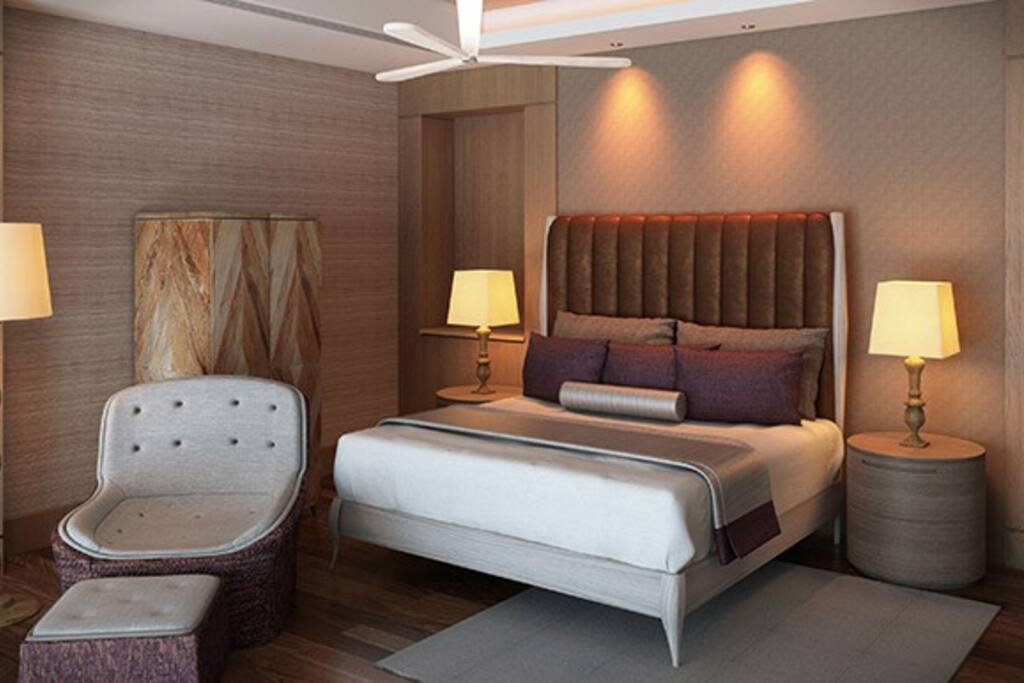 2nd Floor Loft Master Room w/ King Bed