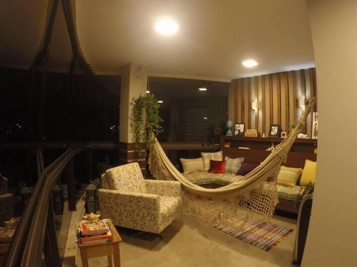 Excelente apartamento em prédio de alto padrão