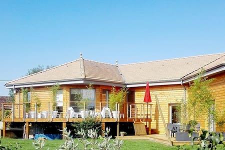 La maison en bois de Tomelola - La Quinte - Dům