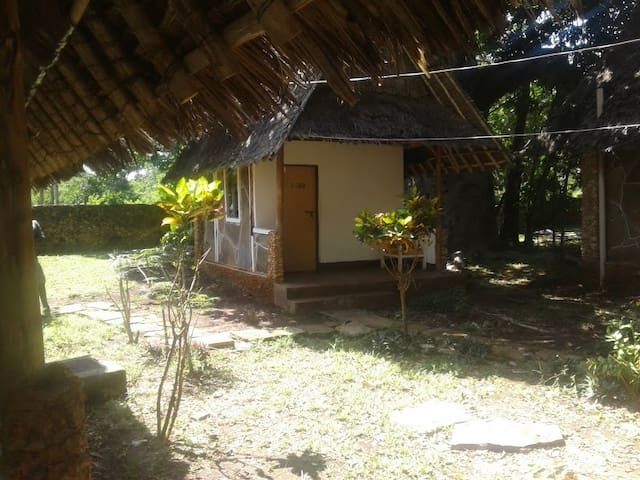 Shimoni Gardens Beach Resort and Cottages - Mombasa - Stuga
