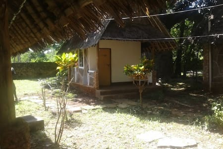 Shimoni Gardens Beach Resort and Cottages - Μομπάσα