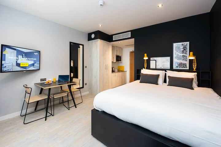 Staycity Aparthotel Waterfront - Studio Sleeps 3