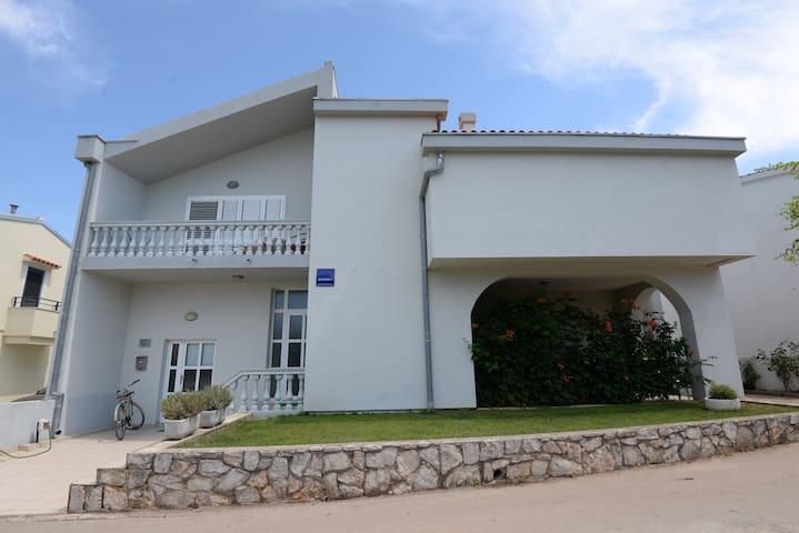 Villa Ines apartment A1 - Murter - Huoneisto