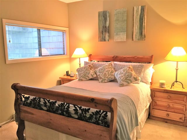 Master Bedroom - New queen size mattress, choice of bed pillows from firm to soft and hotel quality linens