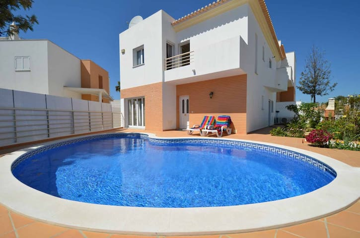 Great villa close to Albufeira