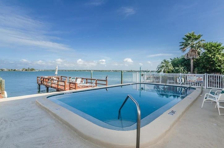 Treasure Island Beach & Bay 1 Bdrm Condo - Treasure Island - Appartement
