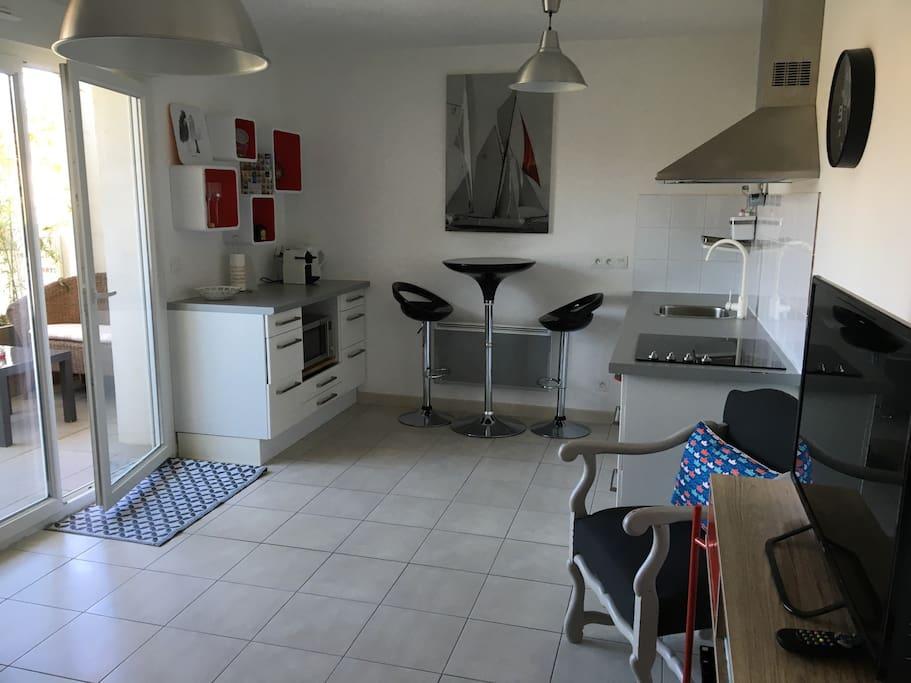 One Room Flat In A Center Of Cogolin Appartamenti In