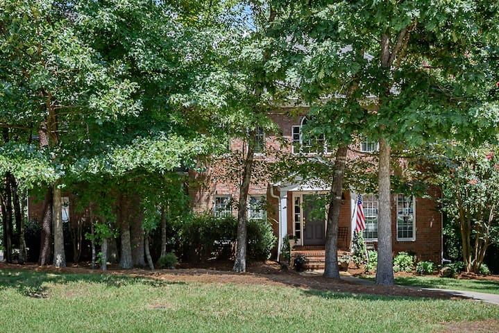 Exceptional Elon Nature Brick Home - Gibsonville - House