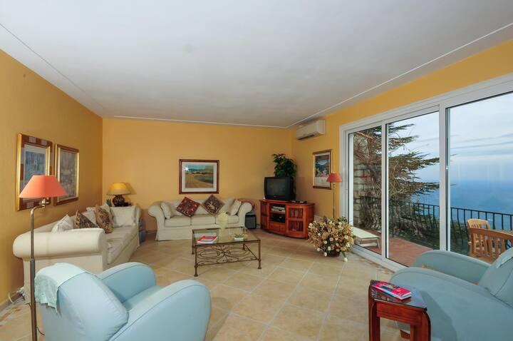 Sparkling 4 bedroom Villa in Èze (Q8938)