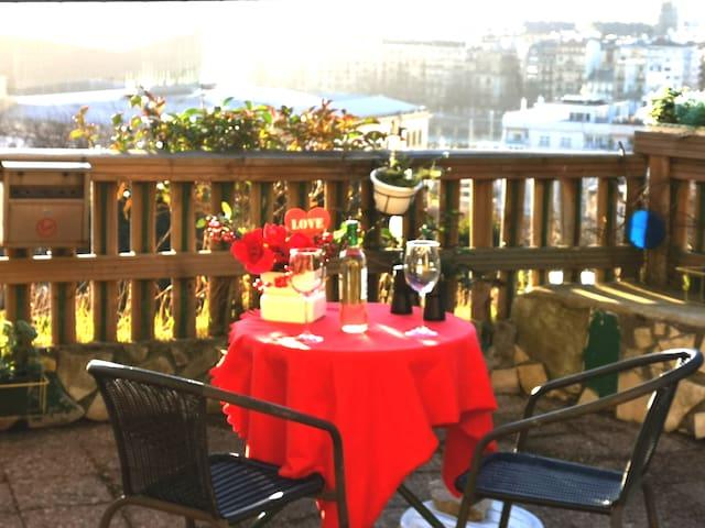 Panoramic terrace, Parking at the door