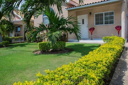 Caribbean Estates Exclusive 1BR Guest-House K!!